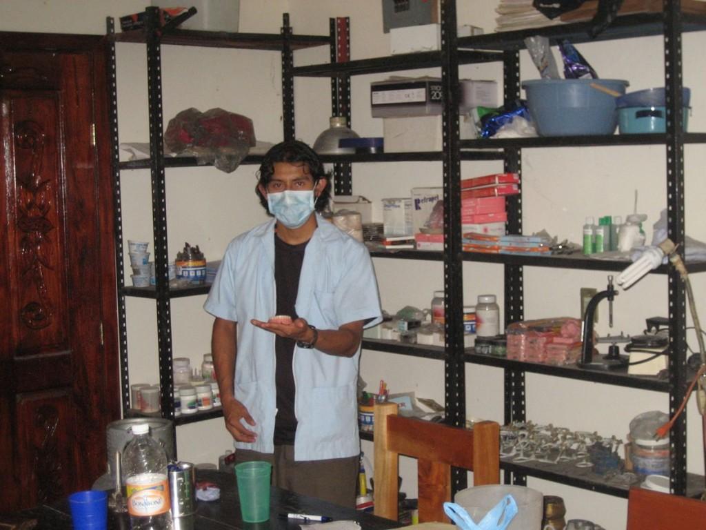 033 Laboratorio zapatista de protesis dental Caracol V Roberto Barrios Zona Norte Chiapas